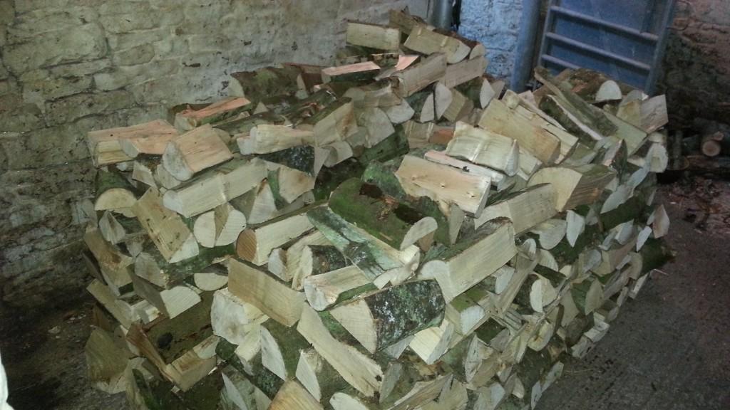 Smart wood pile